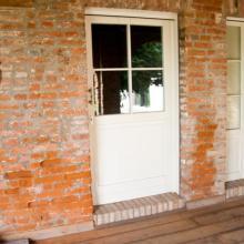 porta in abete laccato